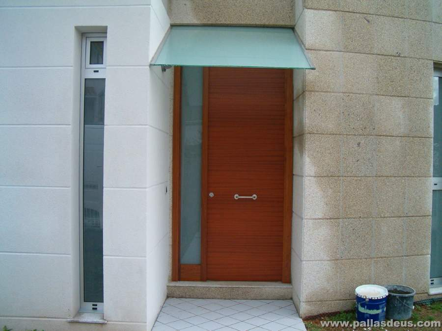 Puertas entrada chalet materiales de construcci n para - Puertas de chalet ...