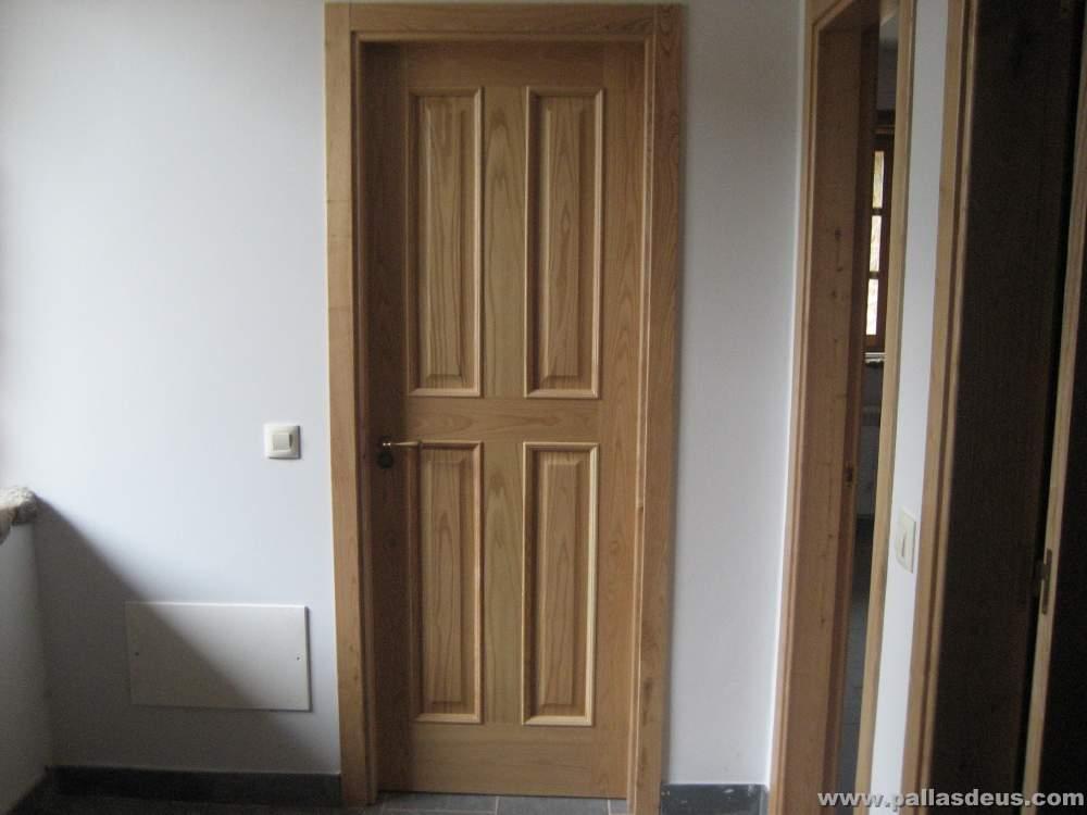 Puertas y ventanas de madera rusticas puerta rstica - Puertas rusticas interior ...