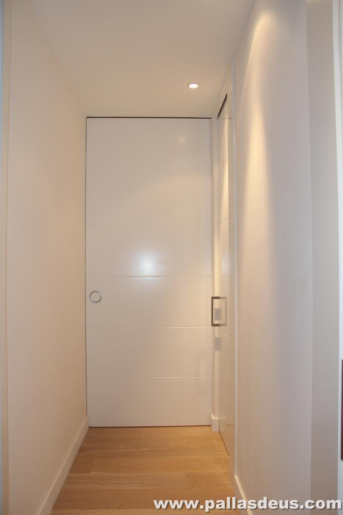 Decoraci n interior coru a puertas de armarios lacadas - Decoracion armarios empotrados ...
