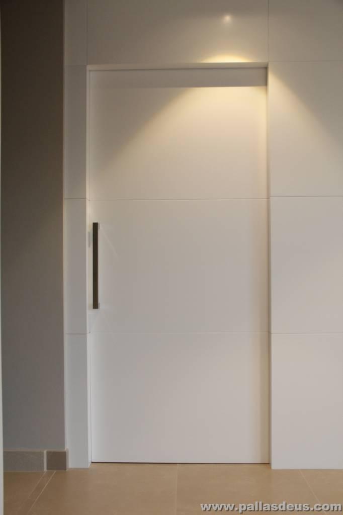 Carpinter a de madera en nar n puertas y muebles a medida for Modelos de puertas de madera para dormitorios