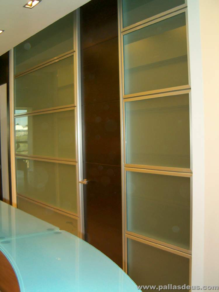 mobiliario oficina coru a en madera wengu