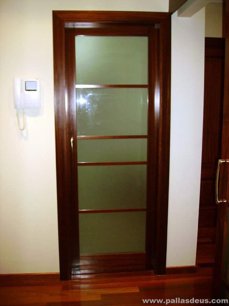Precio de puertas coru a dise o y colocaci n - Precio puertas interior colocadas ...