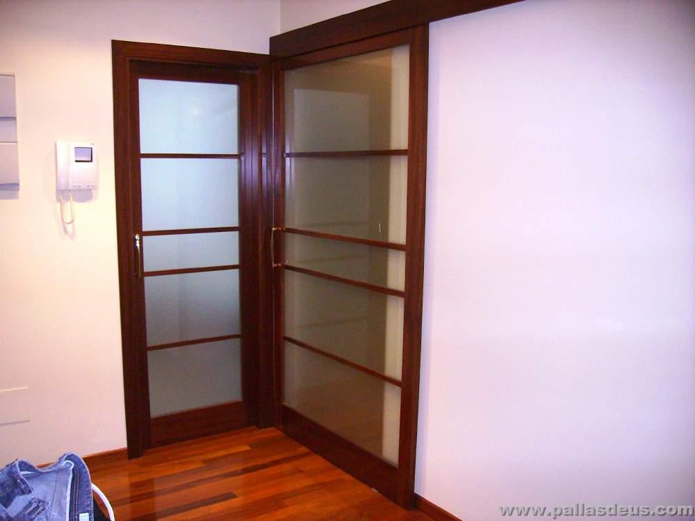 Puertas de interior correderas puerta colgante puertas for Puerta corredera de taller