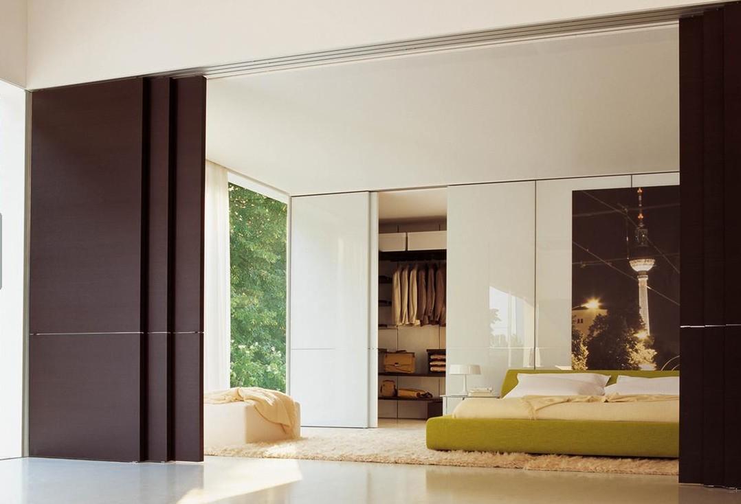 Puertas correderas a coru a puertas rototraslantes for Puertas de madera interiores minimalistas